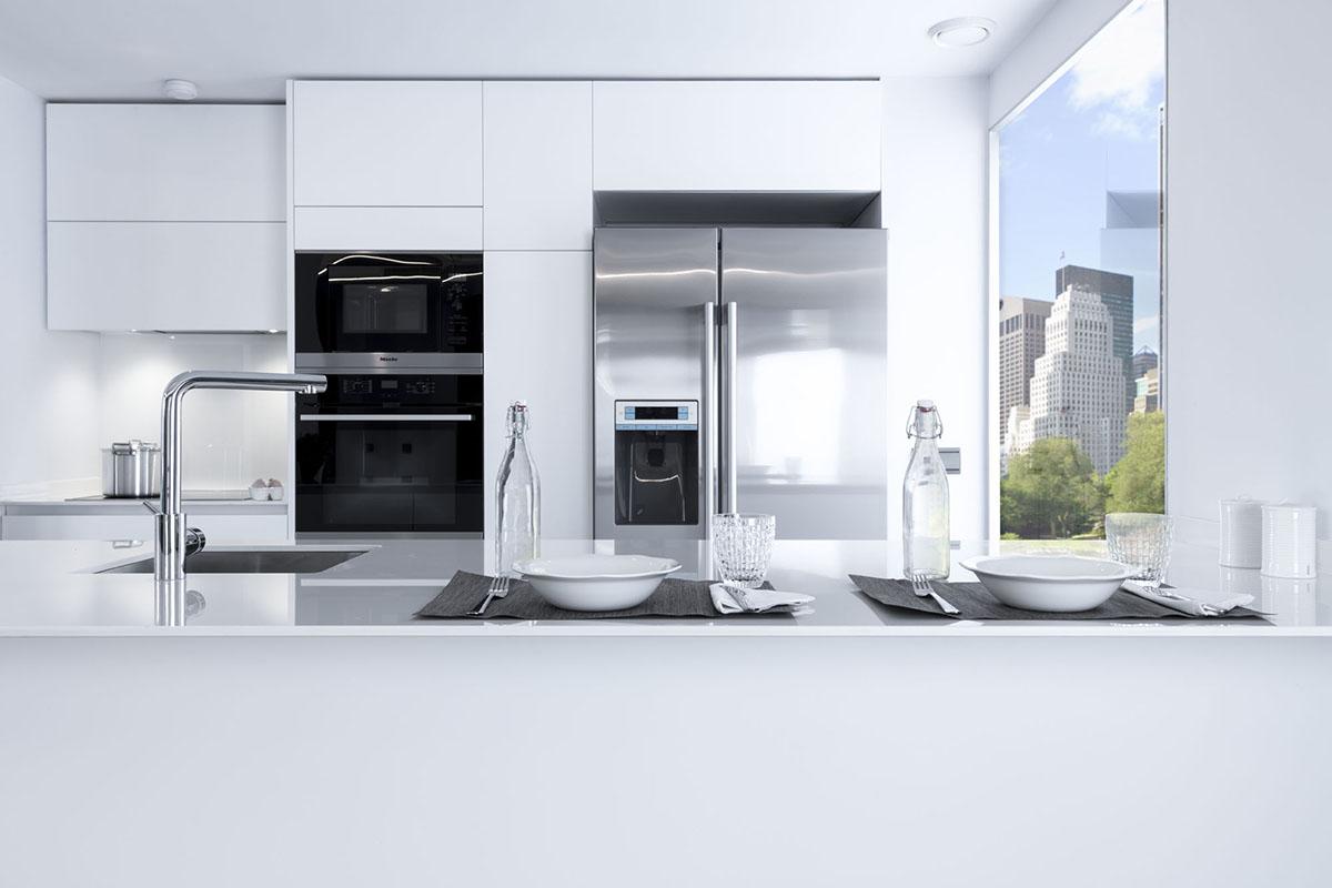 Cocinas modernas de dise o italiano a medida y nicas for Cocinas blancas con electrodomesticos blancos