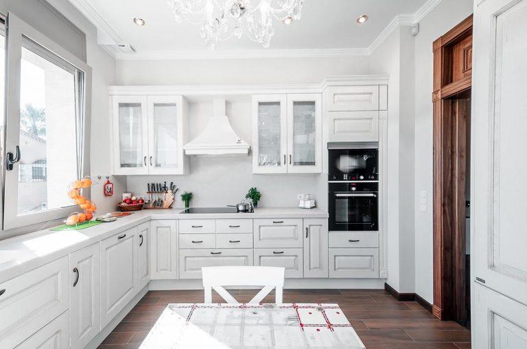 cocina rustica lacada blanca