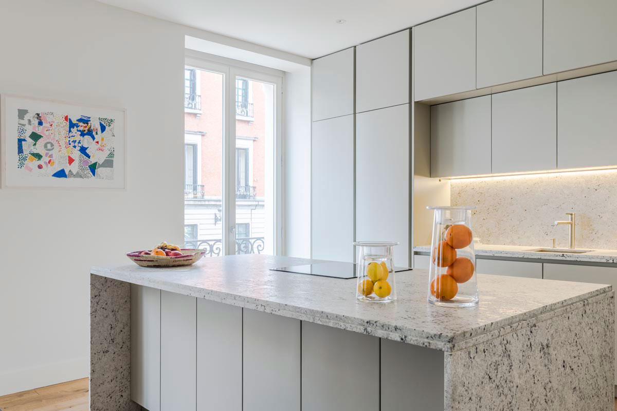 Cocinas modernas de dise o italiano a medida y nicas - Cocinas con encimera de granito ...